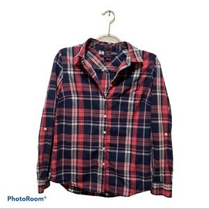 Tommy Hilfiger small button up